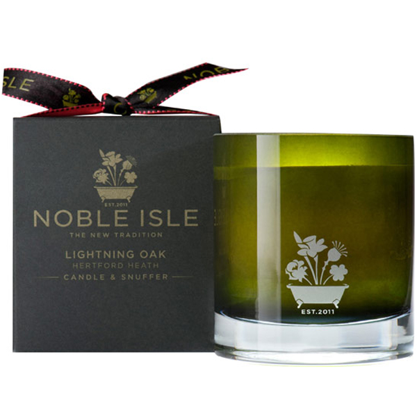 NOBLE ISLE Lightning Oak Candle